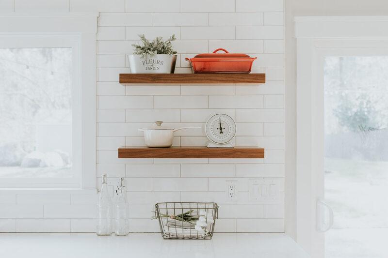 Кухня без верхних шкафов: дизайн, идеи, фото