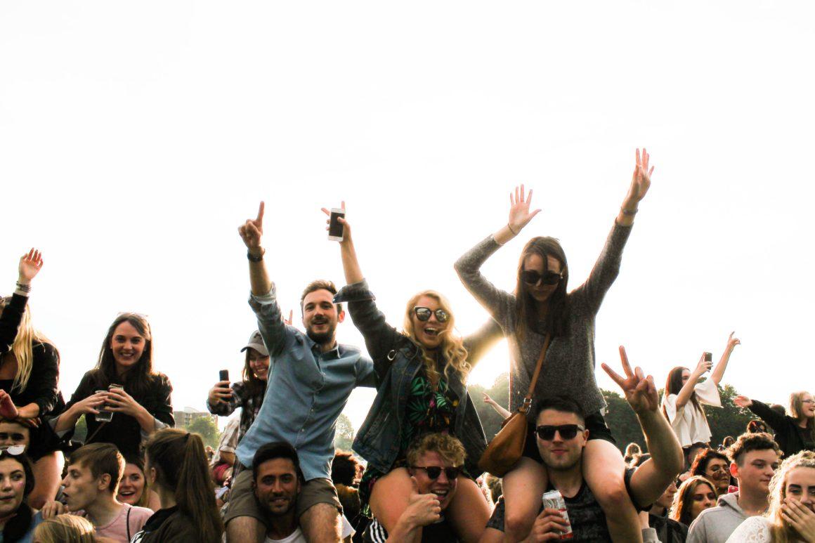 Новая боль экономики: молодежь не хочет потреблять как нормальные люди