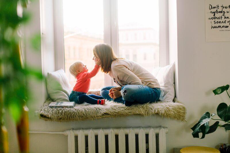 Отношения с детьми: каждому цветку – свой уход